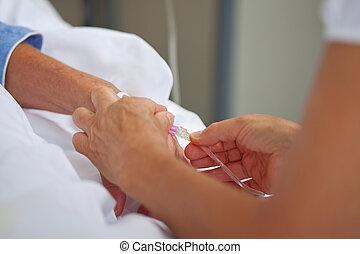 docteur féminin, ajustement, goutte, sur, malades, main