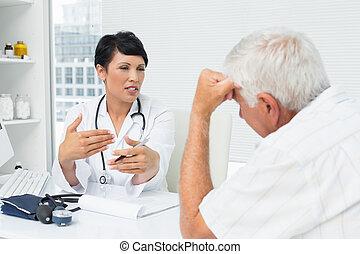 docteur féminin, expliquer, rapports, à