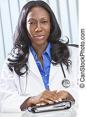 docteur femme, américain, africain femelle