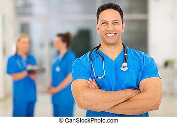 docteur, monde médical, bras, milieu, clinique, traversé, vieilli