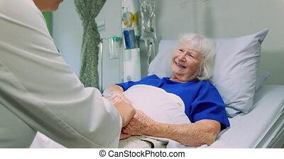 docteur, patient, dialoguer, actif, 4k, personne agee