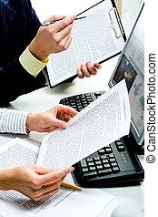 documenten, het bespreken