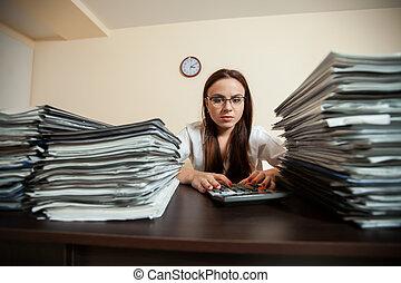 documentos, grande, sentenciado, contra, contabilista, pilhas