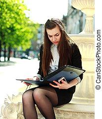 documents, business, fonctionnement, séance, jeune femme, dossier