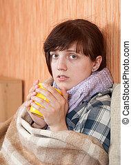 doença, mulher, chá bebendo, jovem