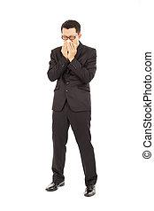 doente, jovem, homem negócios, é, espirrando, com, papel higiénico