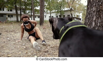 dog., attack., loin, femme, courses