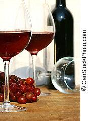 dois, óculos vinho vermelho