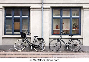 dois, bicycles
