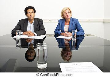 dois, gerentes, mimicking, linguagem corpo, e, tocando, um,...