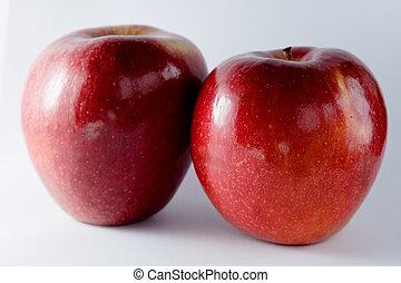 dois, maçãs
