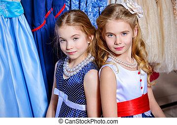dois, na moda, meninas