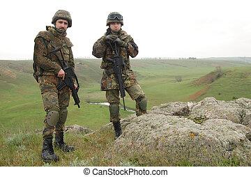 dois, soldados, ligado, a, rocha