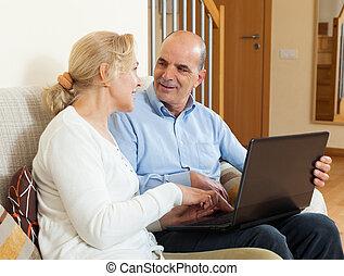 dojrzały, laptop, para