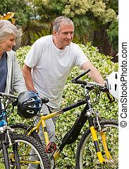 dojrzały, rowery, para piesza, ich