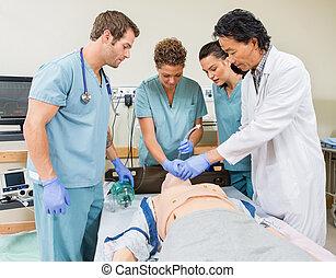 doktor, instruer, sygeplejersker, ind, sygehus rum