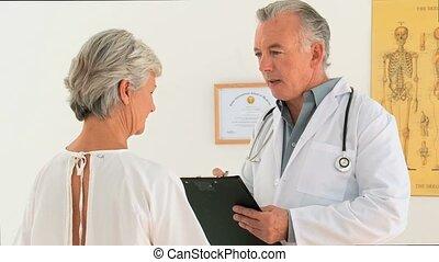 doktor, mówiąc do, jego, pacjent
