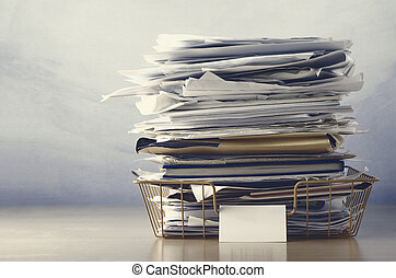 dokumente, tablett, archivierung, angehäuft, hoch, düster, ...