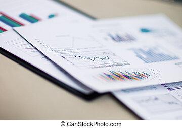 dokumenty, handlowy, pen., wykresy, wzrost, miejsce pracy, klawiatura, biznesmen