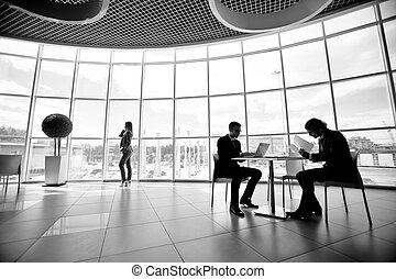 dolgozó, alatt, hivatal