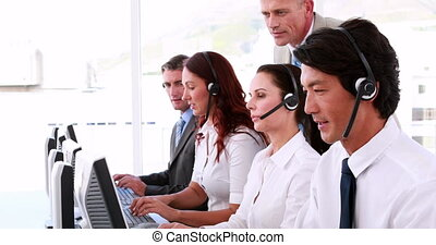 dolgozó, hívás összpontosít, ügynökök