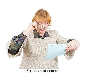 dolgozat, döbbent, senior woman, felolvasás