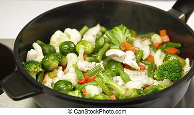 DOLLY: Chicken and Vegetable