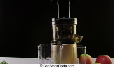 Dolly: Cold press juicer for making freshly squeezed juice from carrot apple and celery
