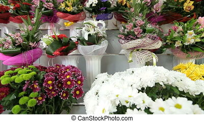 DOLLY: Fresh Flower Arrangements