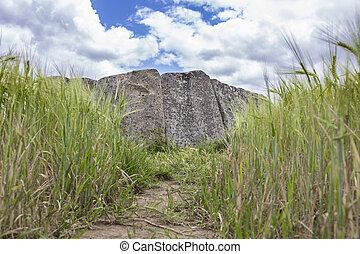 dolmen, extremadura, magacela, españa