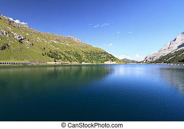Dolomiti - Fedaia reservoir