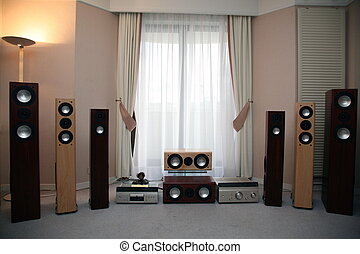 domů, zvukový vybavení