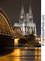 Dom in Cologne at night