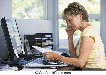 dom, kobieta, paperwork, biuro, komputer