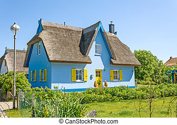 dom, thatched-roof