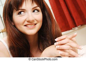 dom, uśmiechnięta kobieta, zmontowanie