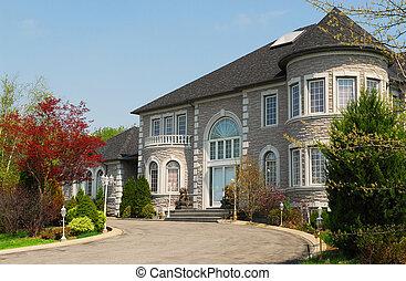 dom, wykonawca