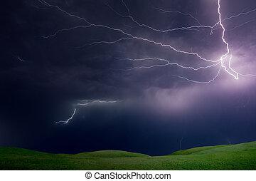 dombok, viharos, erős, villámlás, ég, sötét zöld, felül, fű