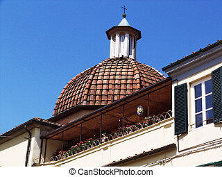 Dome in a street in the center of Lucca