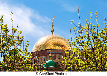 Dome of Samara Cathedral Mosque against blue sky