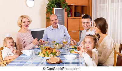 domenica, cena, famiglia