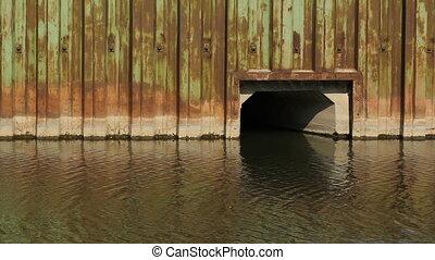 Don River culvert. Toronto. - Steel wall and culvert...