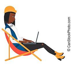 donna affari, seduta, in, chaise oziano, con, laptop.