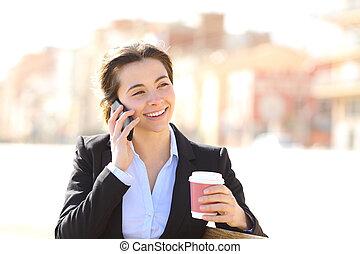 donna affari, telefono, in, uno, parco