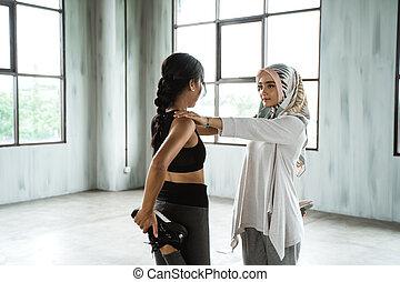 donna, allenamento, musulmano, su, warming, prima