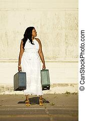 donna americana, suitcases., africano