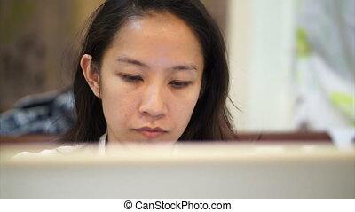 donna asiatica, ragazza, computer portatile