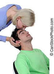 donna, baciare, ragazzo, su, fronte