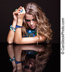 donna, brunetta, specchio