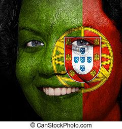 donna, con, bandiera, dipinto, su, lei, faccia, mostrare, portogallo, sostegno